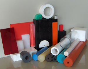 Materiali plastici compatti e modificati